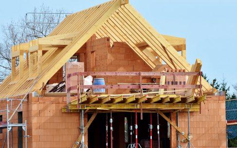 Budowa domu – jak ją przyspieszyć?